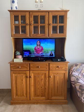 Móvel TV antigo com espaço de arrumação