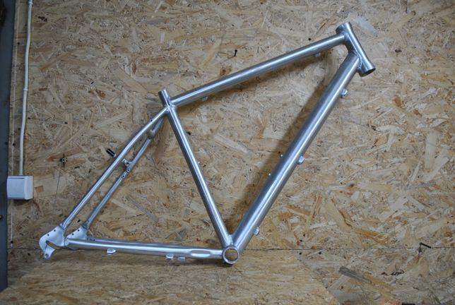 Rama miejska BRENNABOR aluminiowa v-brake surowa