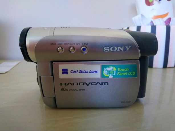 Видеокамера Sony handycam DCR-HC27E
