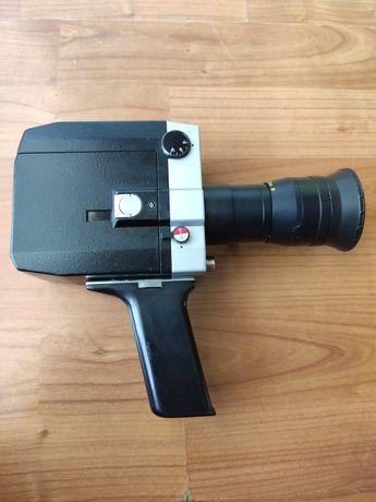Analogowa kamera Quarz 1x8S-2 z obiektywem i akcesoriami