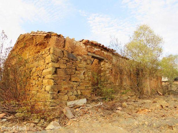 Monte em Ruínas com 3,4 hectares em Ourique