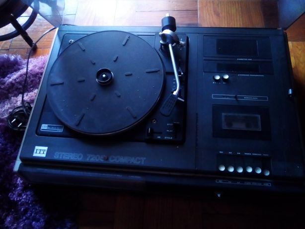 Aparelho gira discos cassetes e radio