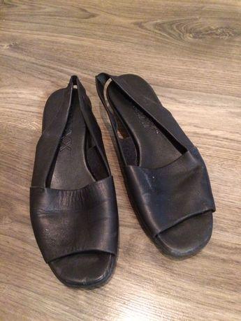 Кожаные босоножки, сандалии