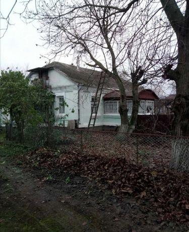 Продам дом с участком в с. Иванов Винницкая обл