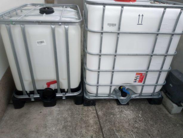 Deposito plástico de 600 e 1000 Litros