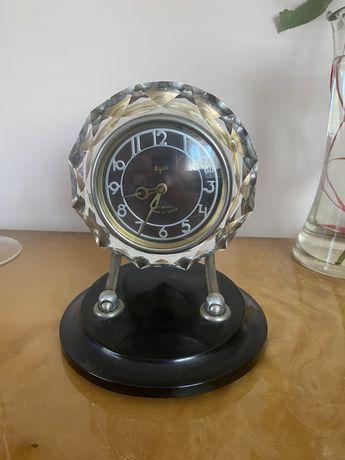 Sprzedam zegar sprawny w krysztale