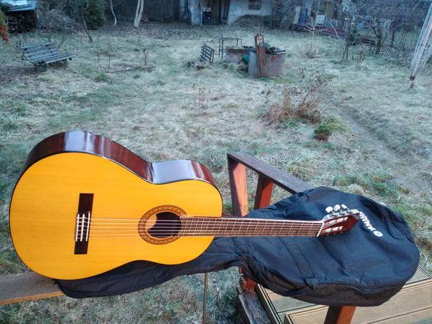 Yamaha C315 gitara klasyczna made in Indonesia z pokrowcem !!