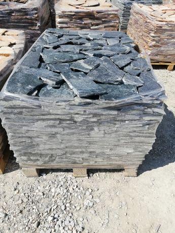 Kamień naturalny elewacyjny płyty gnejs szary złoty łupek na taras