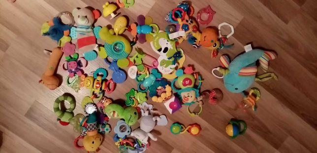 Zabawki dla noworodka całość.