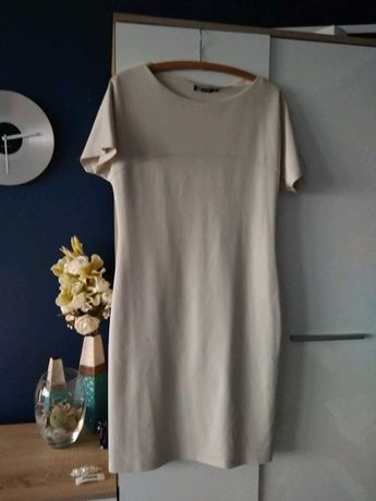 Sukienka beżowa krótka