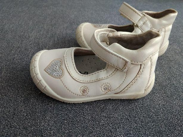 Мешта.Туфли.Туфлі.Тапочки