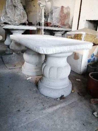 Stolik betonowy do ogrodu lub na taras