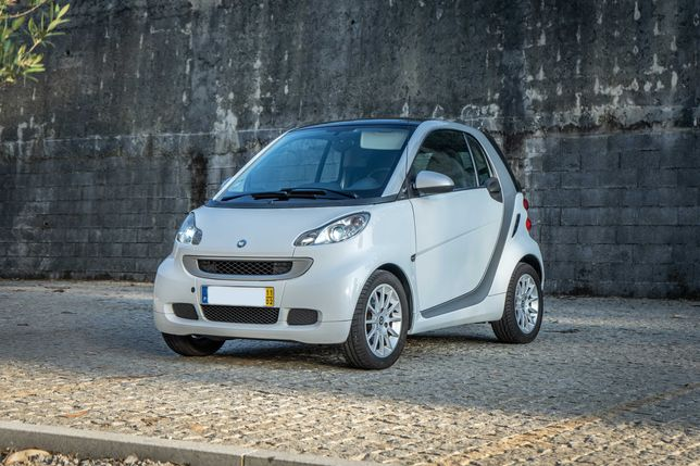 Smart ForTwo Passion 》teto panorâmico 》patilhas F1 》wifi 》GPS 》Android