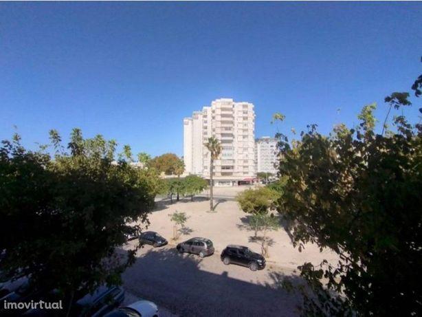 Excelente Apartamento T3, na Costa da Caparica, todo remo...