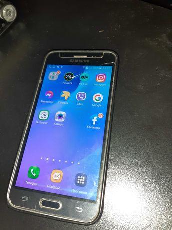 Продам телефон Samsung Galaxy J3.