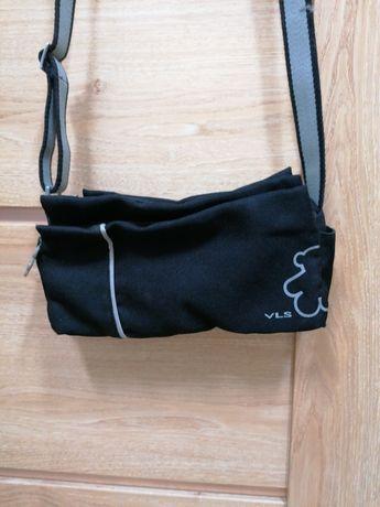 4. Torebka vls używana, stan idealny. Na długim pasku.