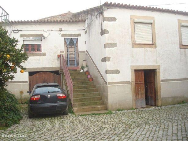 Moradia T6 em Almendra, Vila nova de Foz Côa.