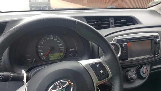 Toyota Yaris - Diesel 2012 excelente estado 5 portas - apenas 114m kms