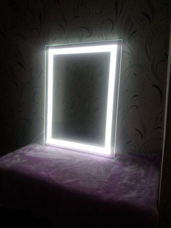 Продам зеркало с подсветкой!