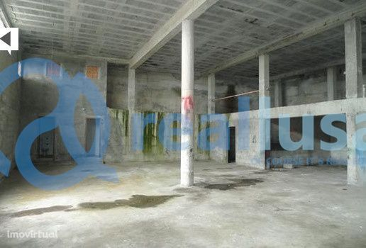 Armazém Industrial de 292 m2 em Celorico de Basto