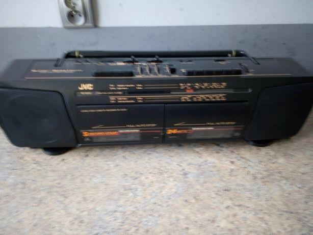Radiomagnetofon JVS