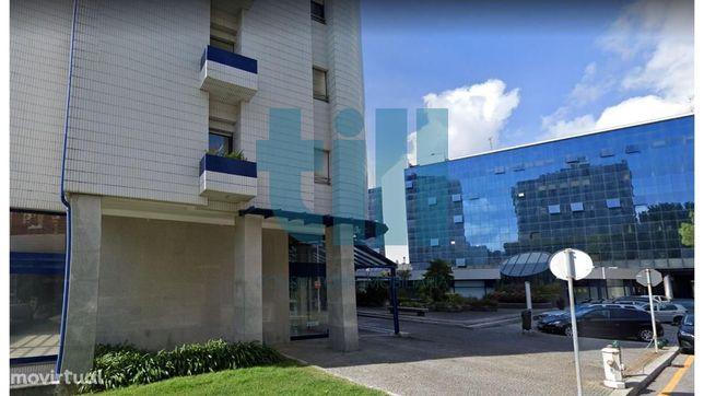 Arrumos no Edifício Mota Galiza
