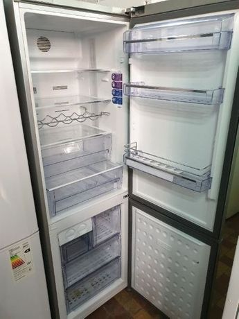 Холодильник Liebherr no frost серебристый 190 см
