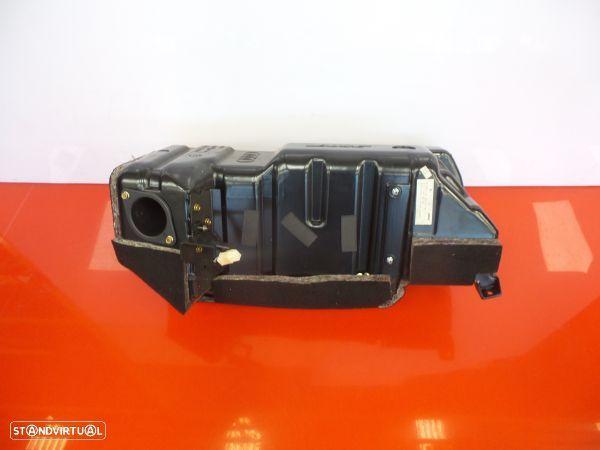 Subwoofer Audi Allroad (4Bh, C5)
