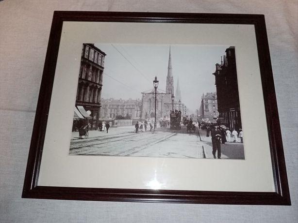 Ponad stuletnie zdjęcie Londynu oprawione w ramce
