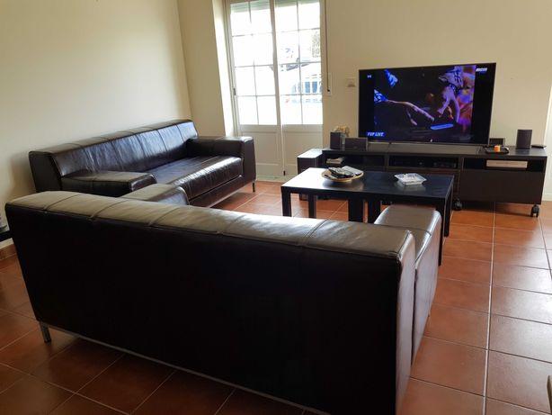 2 Sofás em couro genuíno - modelo Ikea Kramfors