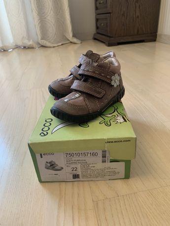 Продам демисезонные ботиночки Ecco 22 размер