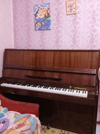"""Продам пианино """"Украина"""" в отличном состоянии"""