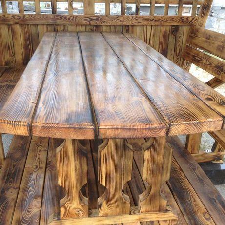 Стол и скамейки деревянные