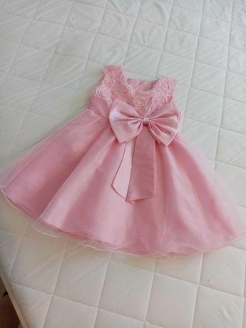 Sukienka dla dziewczynki.
