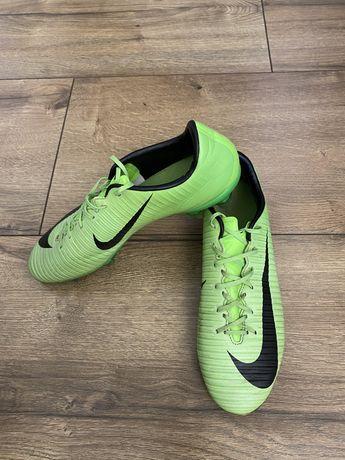 Korki/Lanki  Nike Merciurial rozmiar 40 wkladka 25