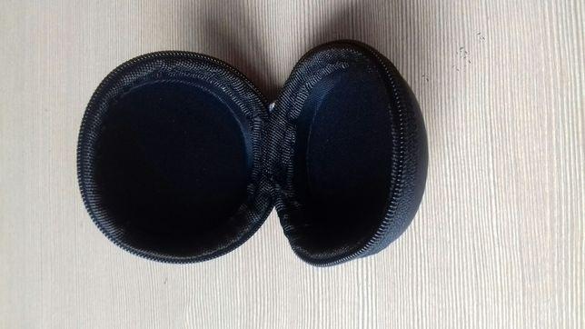 Продам чохол для навушників