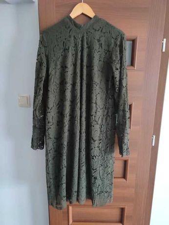 Koronkowa sukienka ciemna zieleń.