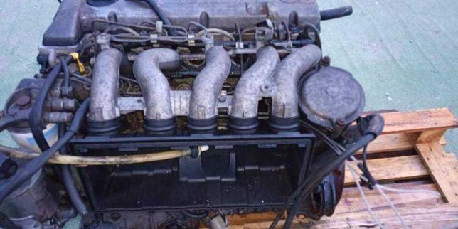 Motor Mercedes-Benz  w124 2.5d