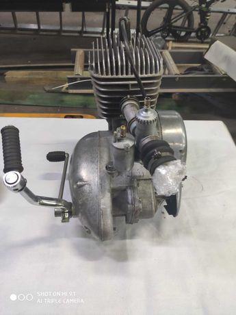 Silnik WSK 125 trzybiegowy po kapitalce