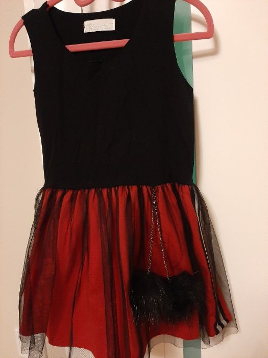 Sukienka Mała Mi czerwono czarna z tiulem i pomponami Ciechanów - image 1