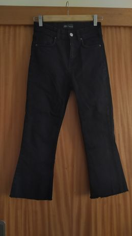Calças Jeans flare cropped Zara