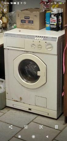 Продам стиральную машинку ARISTON> AI1248CTX