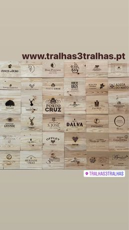 Tampas/caixas de madeira com marcas de vinhos p decoração vintage