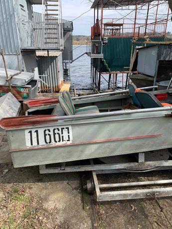 Лодка МКМ Херсонка в заводской краске