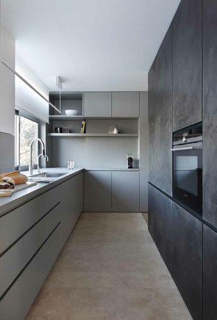Presto serviço de montagem de móveis de cozinha