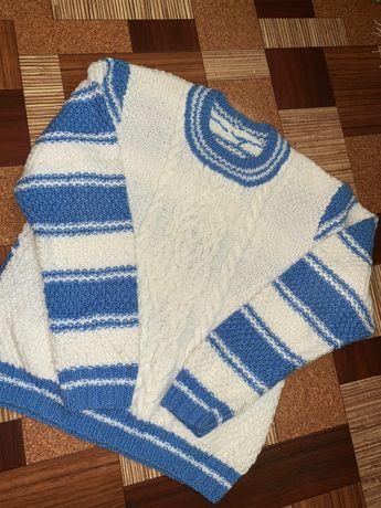 Продам вязаный свитер на мальчика