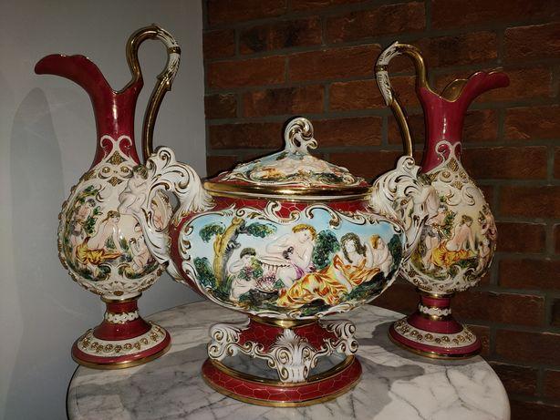 Królewska waza wraz z wazonami