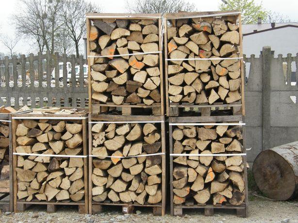 Drewno kominkowe w skrzyniach