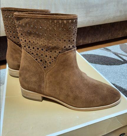 Новые сапоги ботинки челси Michael Kors. На ножку 25 см