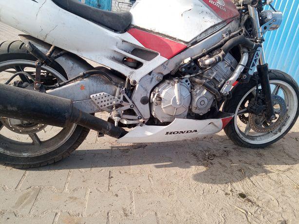 Honda CBR 600 silnik p25